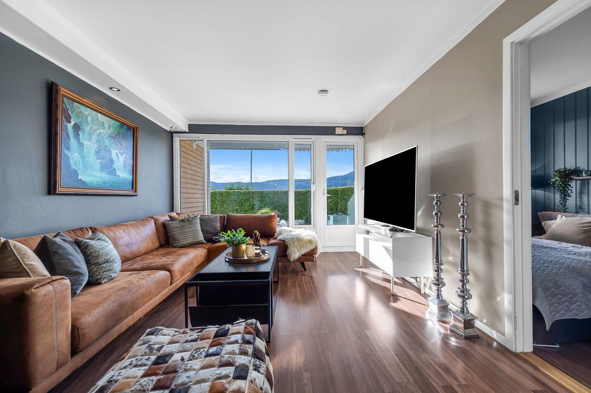 Myrehagen 23 Her får du en bolig med 2 terrasser og super utsikt mot Drammen,