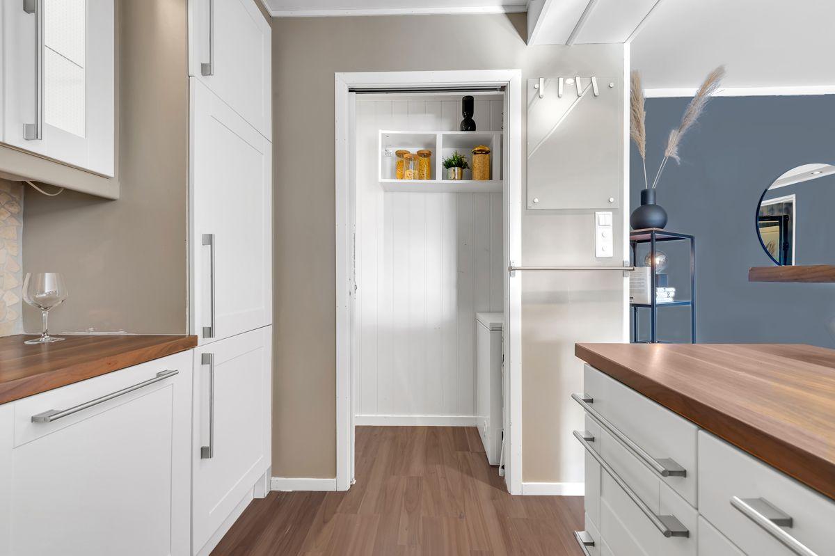 Myrehagen 23 I tillegg er kjøkkenet tilknyttet boligens innvendige bod på ca. 2 m2.