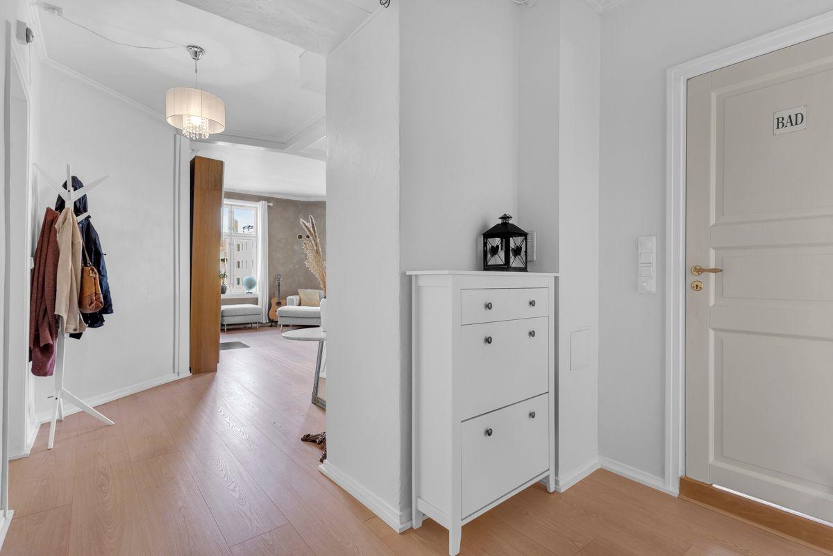 Østerdalsgata 6B I tillegg er entréen tilknyttet boligens innvendige bod som sørger for gode lagringsmuligheter.