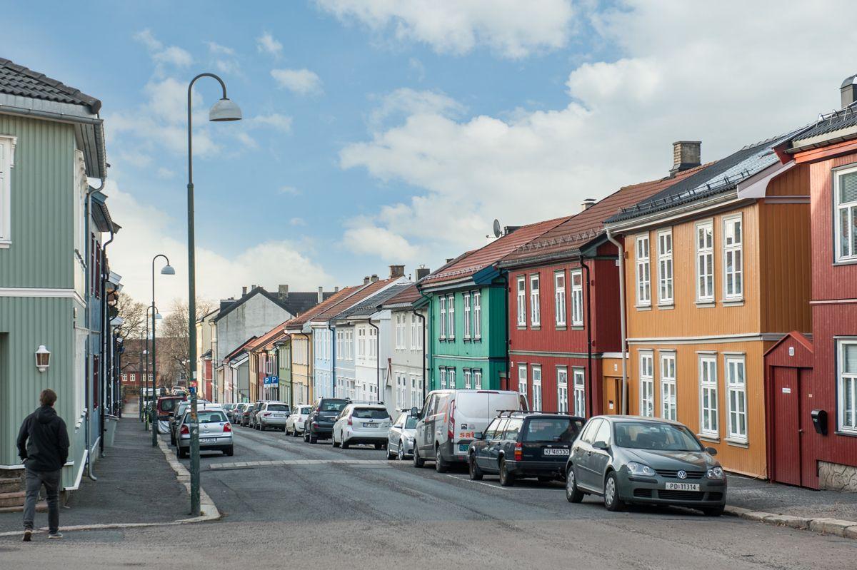 Østerdalsgata 6B Med en god blanding av fargerike bygårder og trehusbebyggelse, får man en følelse av at man bor i en småby midt i byen!