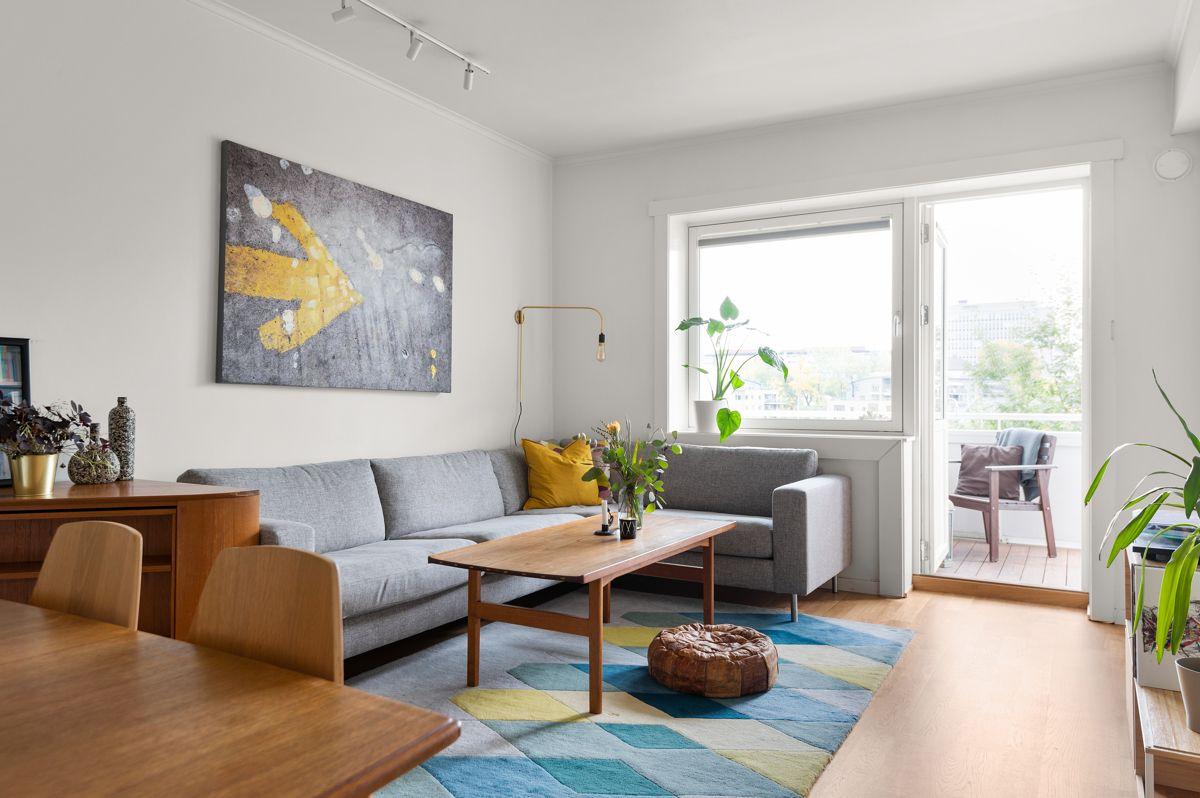 Ålesundgata 3 A En stor, lys og fin 3-roms leilighet med god standard.