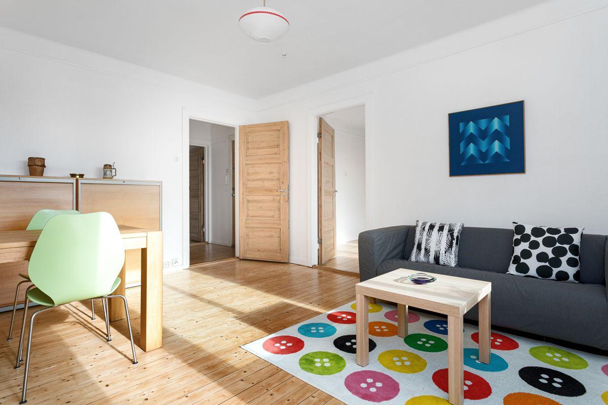 Bentsegata 17 Med dagens krav til standard er leiligheten å betrakte som et oppussingsobjekt og modernisering må påregnes, men her er det stort potensiale!