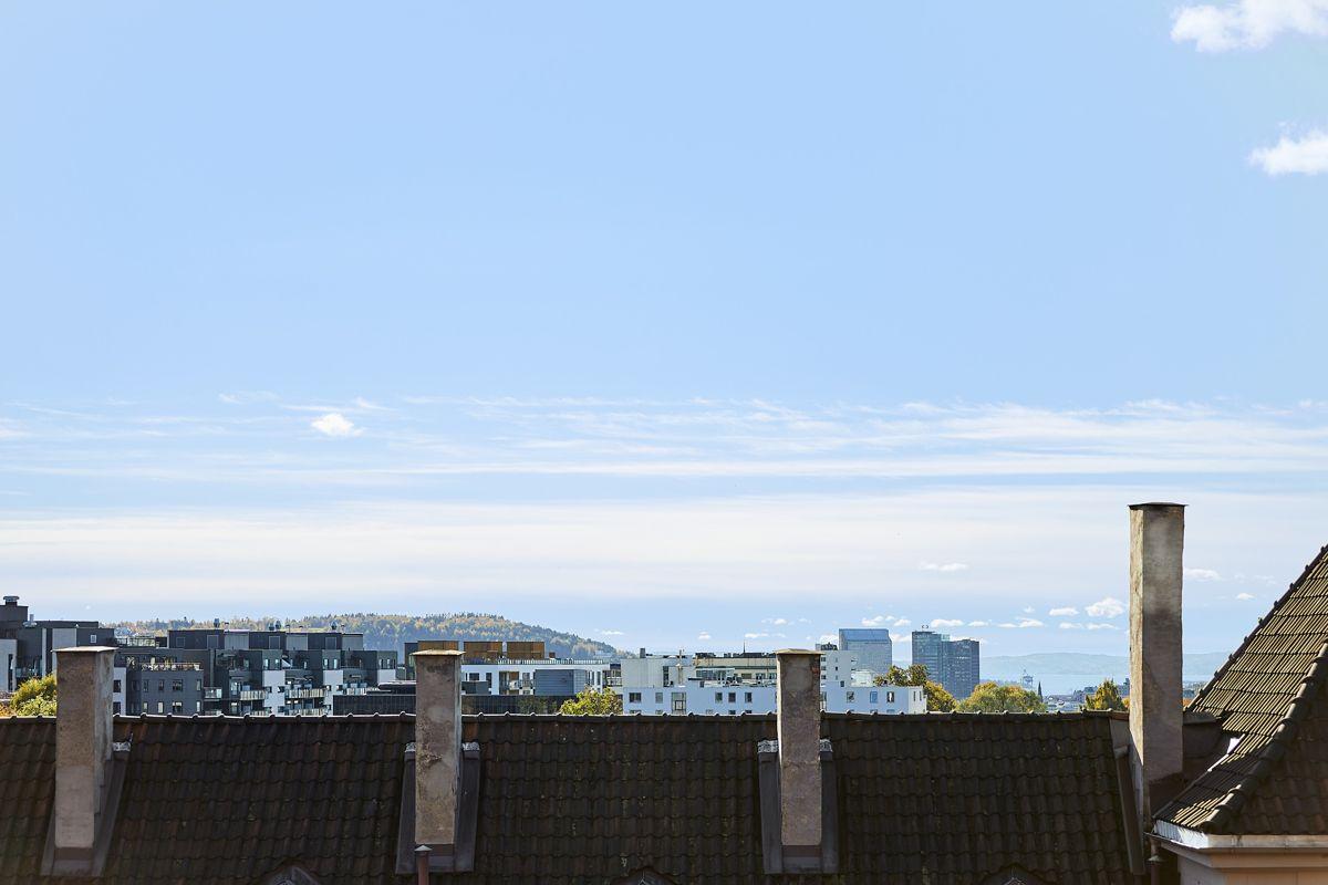 Bentsegata 17 Beliggenheten mot syd sørger for deilig sol fra ca. klokken 9 - 18/19 på sommerstid.