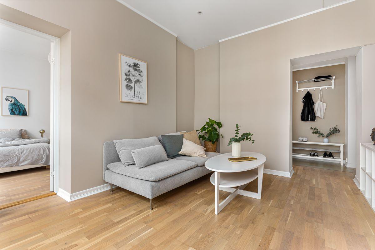 Herslebs gate 4 A Hele leiligheten er nyllig malt i tidløse og lyse toner og beliggende i 4. etasje og er det godt med naturlig lys inn i leiligheten