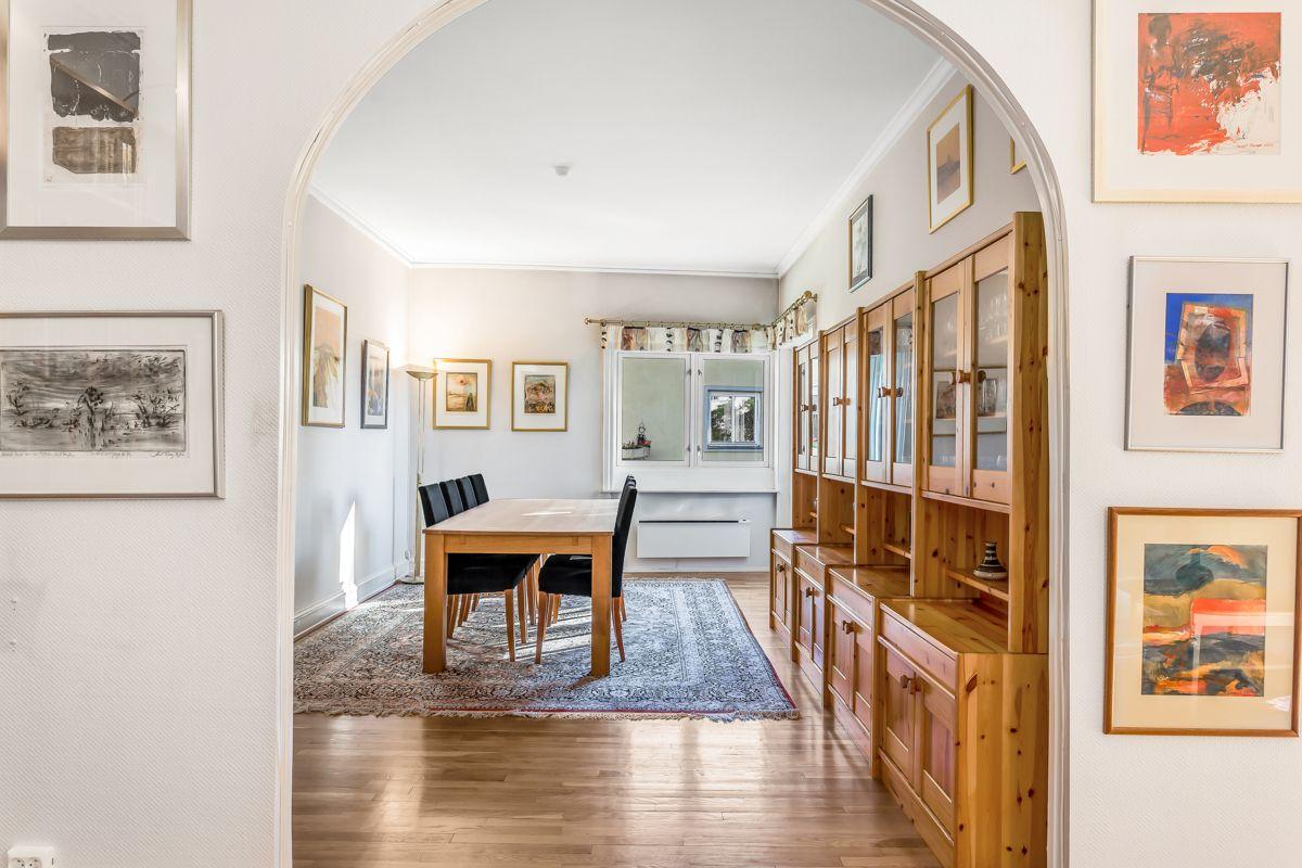 Pavels' gate 8 Dette er en gjennomgående leilighet med fleksibel planløsning og mange innredningsmuligheter.