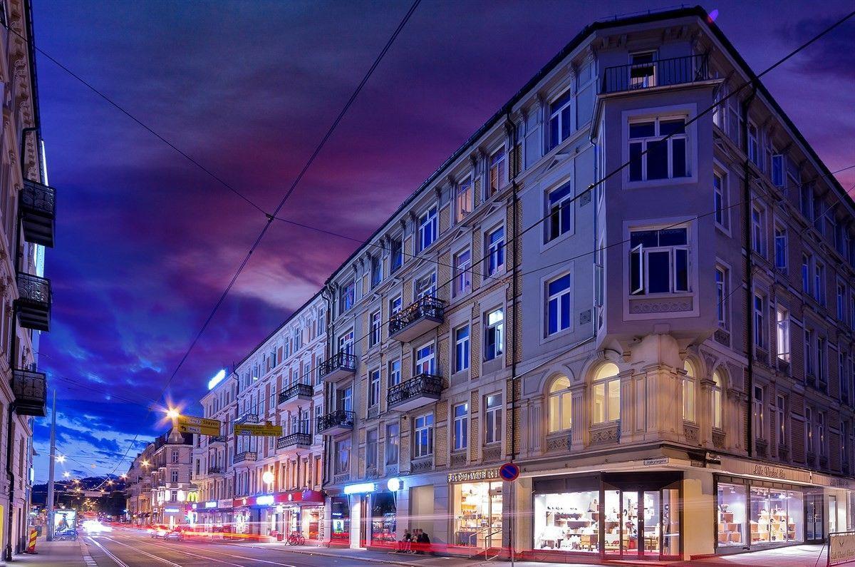 Pavels' gate 8 Det er også kort vei til Bogstadveien med supre shoppingmuligheter og hyggelige serveringssteder.