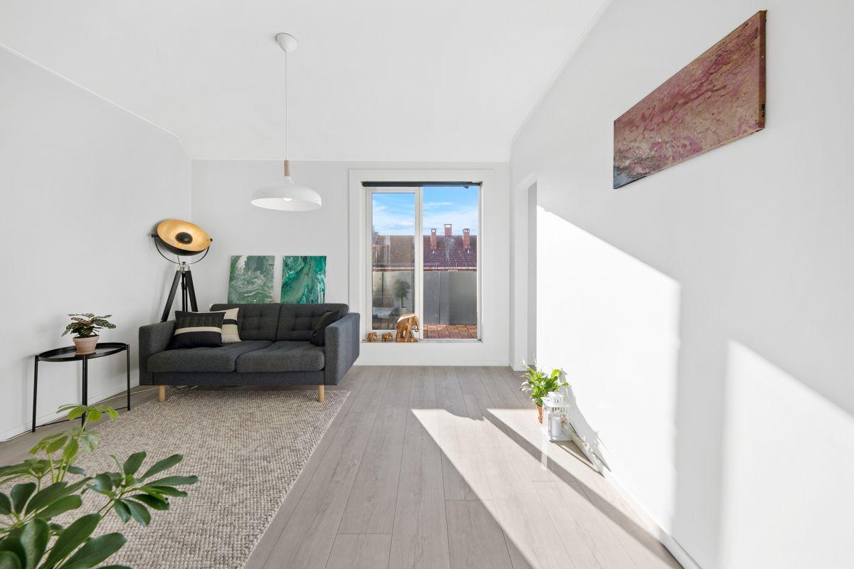 Hans Barliens gate 1F Nytt gulv og malte flater i 2018