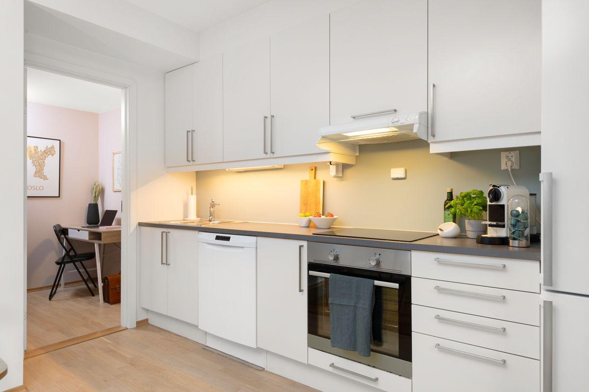 Malmøgata 2 - Integrert stekeovn, koketopp og oppvaskmaskin. Kjøl-/ fryseskap medfølger -