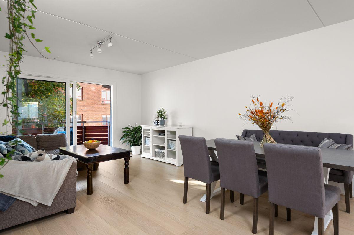 Larviksgata 4 Praktisk 3(4)-roms med god planløsning og romslig balkong