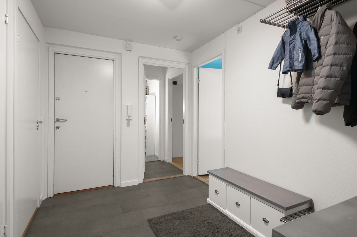 Larviksgata 4 Oppgangen har callinganlegg med videofunksjon.