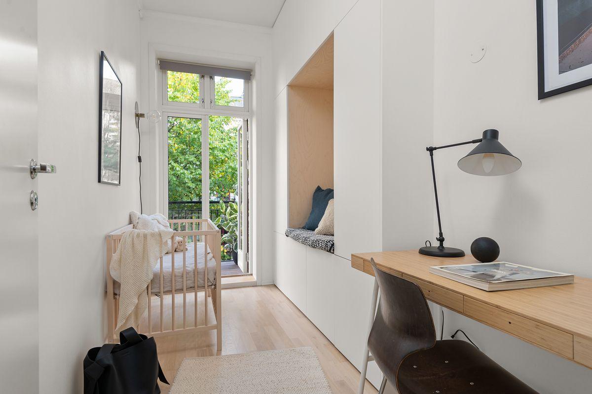 Seilduksgata 2 B - Soverom / barnerom med god plass til seng, kommode og kontorpult -