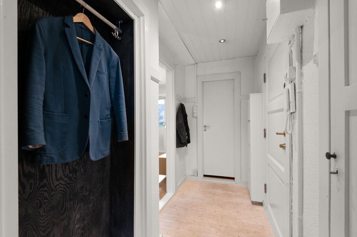 Telemarksvingen 4 - Hyggelig inngangsparti med god plass til  klær og sko -