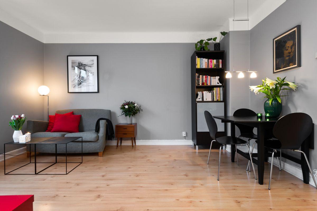 Københavngata 14B Romslig stue med plass til sofagruppe og spisebord