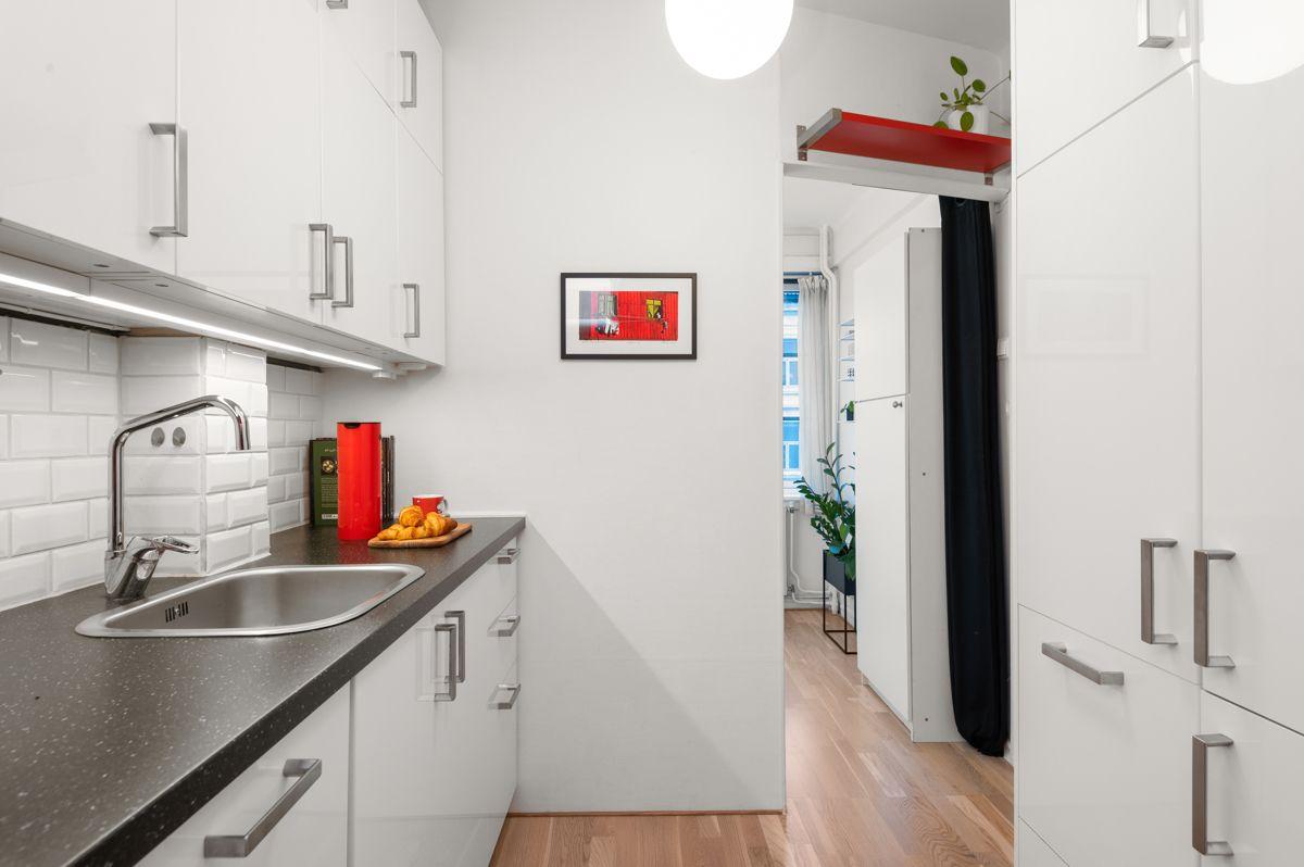 Københavngata 14B Integrert oppvaskmaskin, kjøl-/fryseskap, stekeovn og platetopp