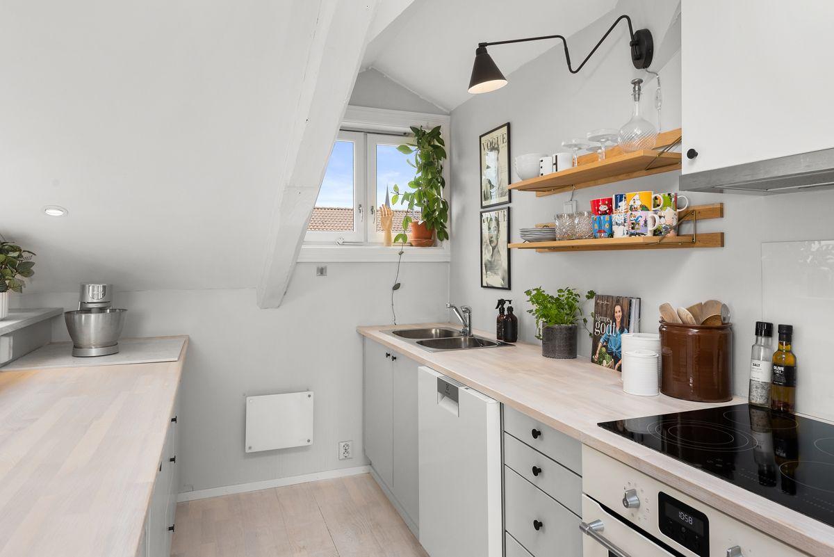 Grüners gate 7 - Integrert stekeovn, koketopp, oppvaskmaskin og kjøleskap. Alle hvitevarer fra 2017 -