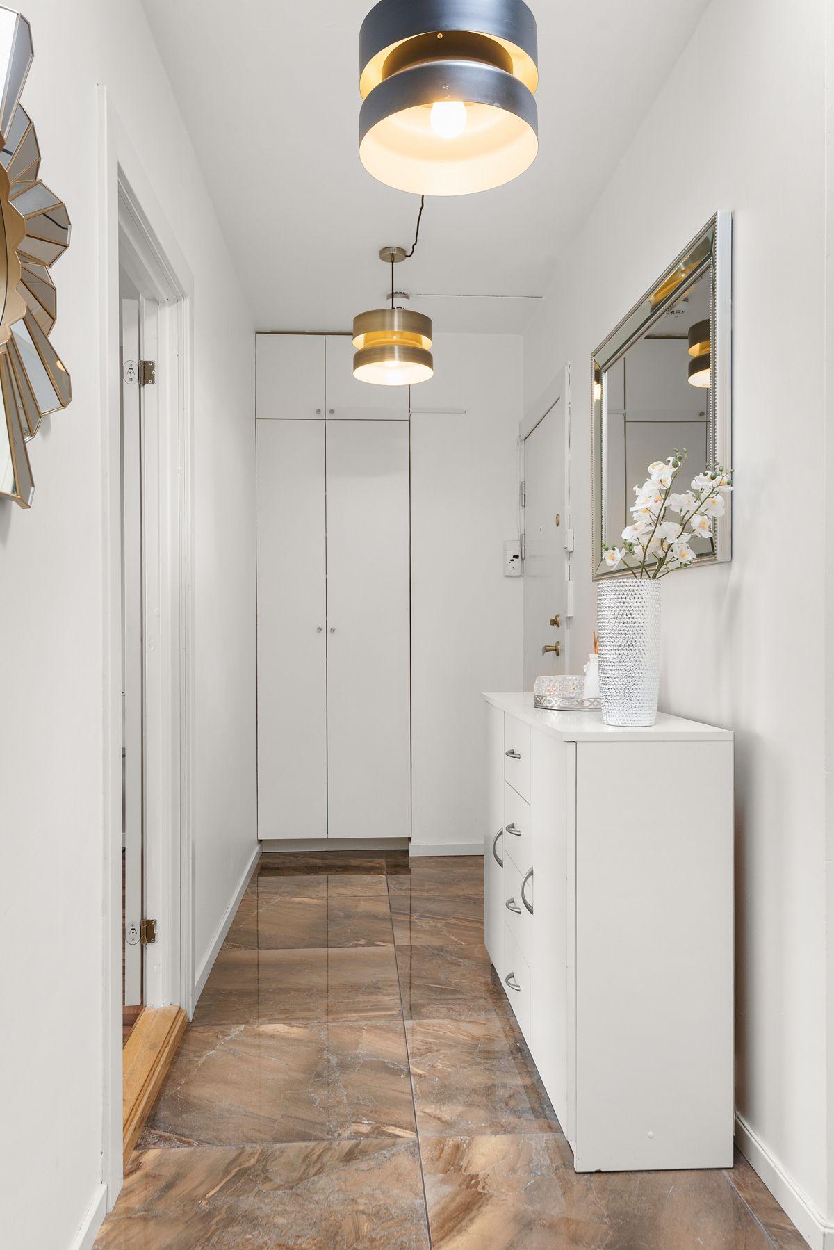 Brobekkveien 37 God oppbevaringsplass i garderobe