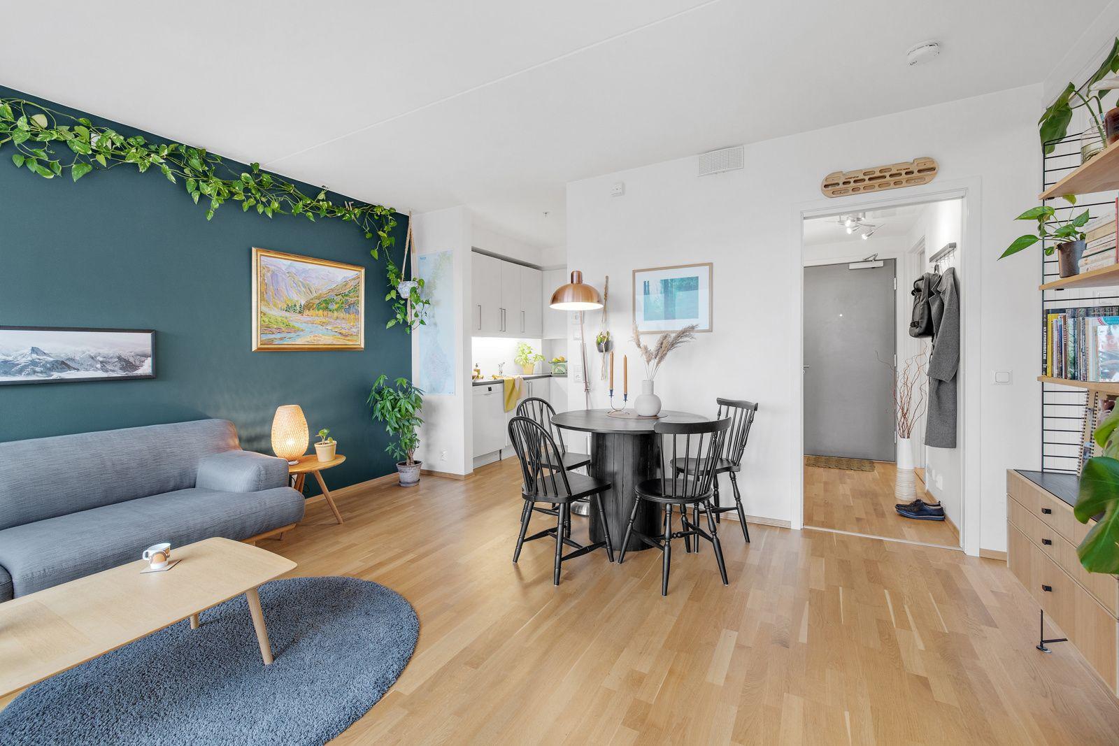 Hans Nielsen Hauges gate 37 F Stuen har en naturlig plass til spisebord i perfekt tilknytning til stue- og kjøkkendel.