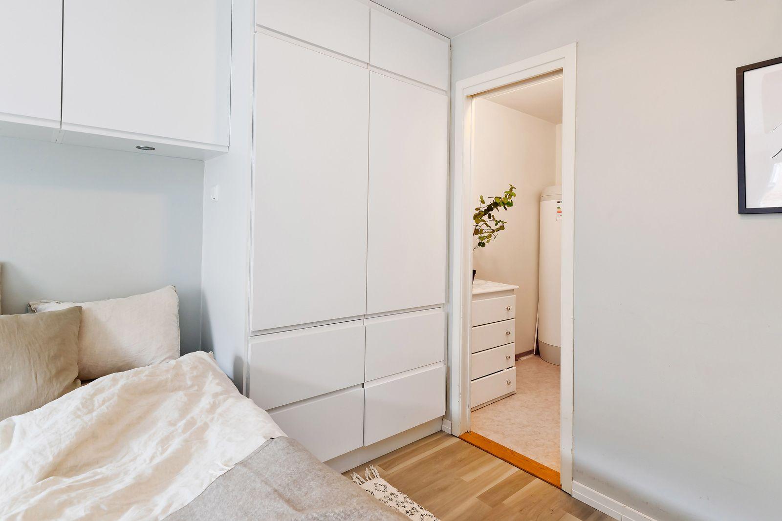 Ivan Bjørndals gate 20 Inngang til omkledningsrom fra hovedsoverom