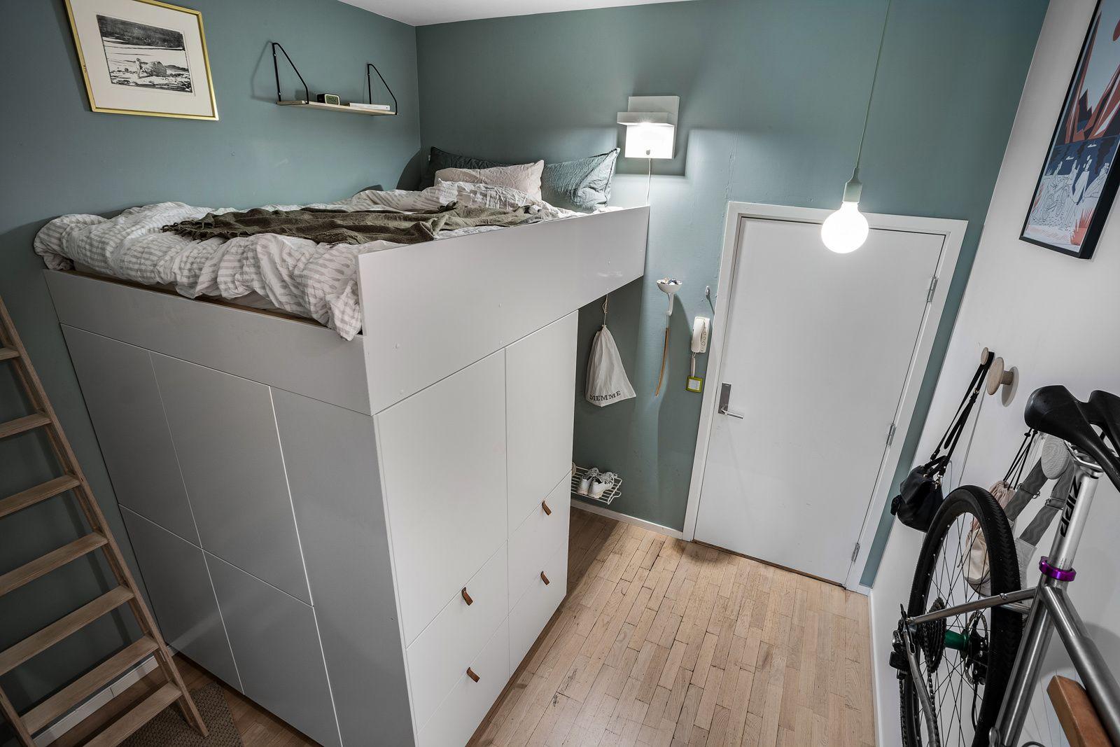 Christian Krohgs gate 30 Når du kommer inn i boligen, er det første du møter en lys entré. Oppgangen har en app-styrt dørklokke med videofunksjon. Det er adkomst via felles trappeoppgang med heis.