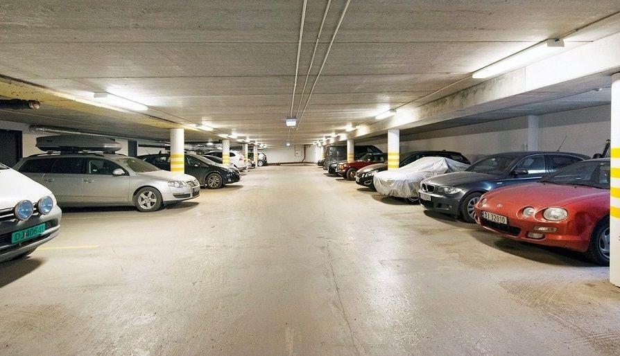 Fredensborgveien 43 Oppvarmet parkeringsanlegg.