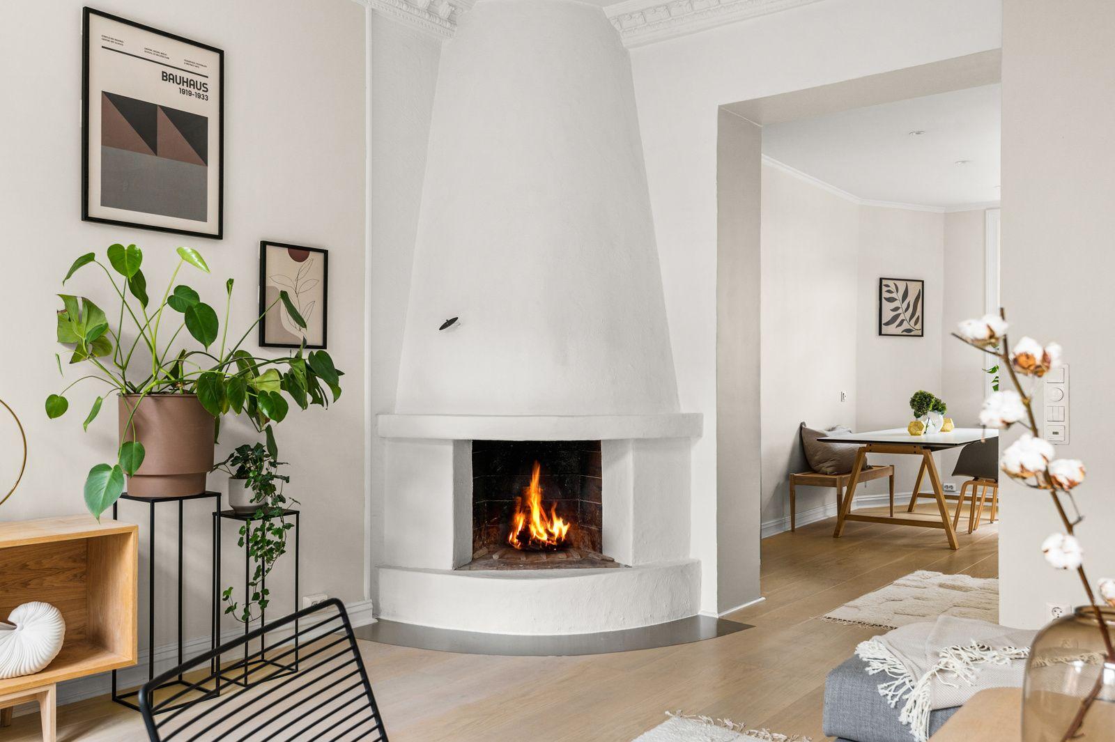 Paulus' plass 3 B Kjøkkenet ligger i et eget rom i naturlig tilknytning til stuen, adskilt og samtidig åpent og sosialt.