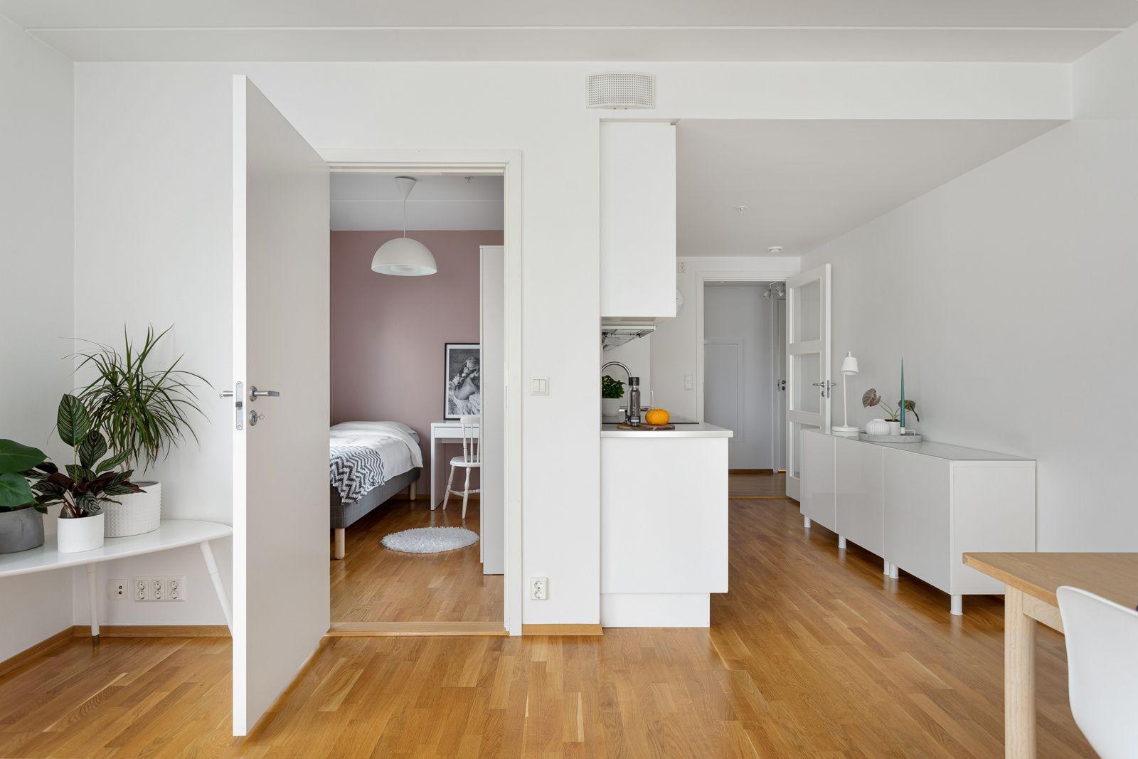 Fernanda Nissens gate 5 B Det andre soverommet er også et lyst og fint rom som passer perfekt som barnerom, gjesterom eller kontor.