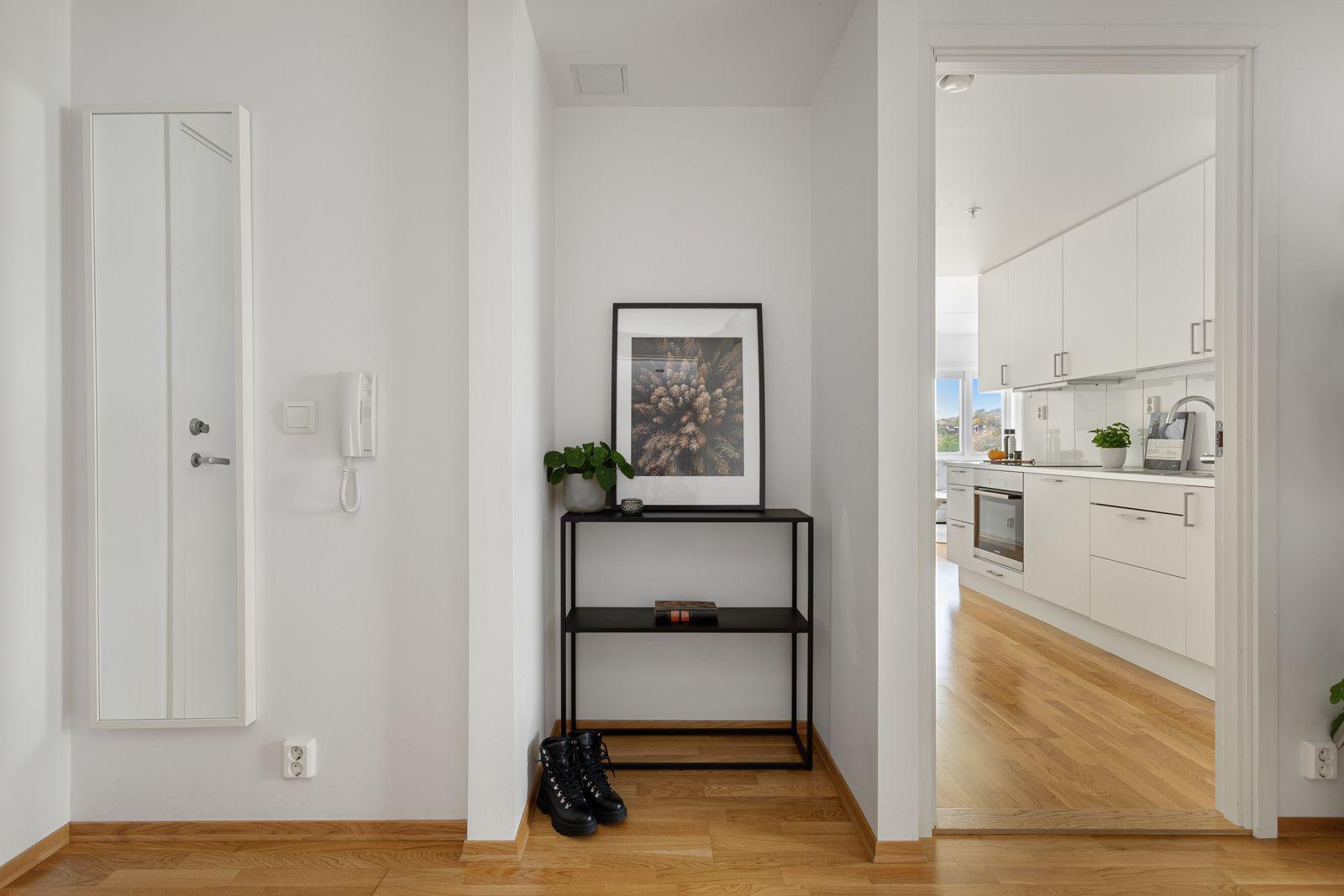Fernanda Nissens gate 5 B I entréen har du en praktisk nisje med plass til sko og yttertøy.