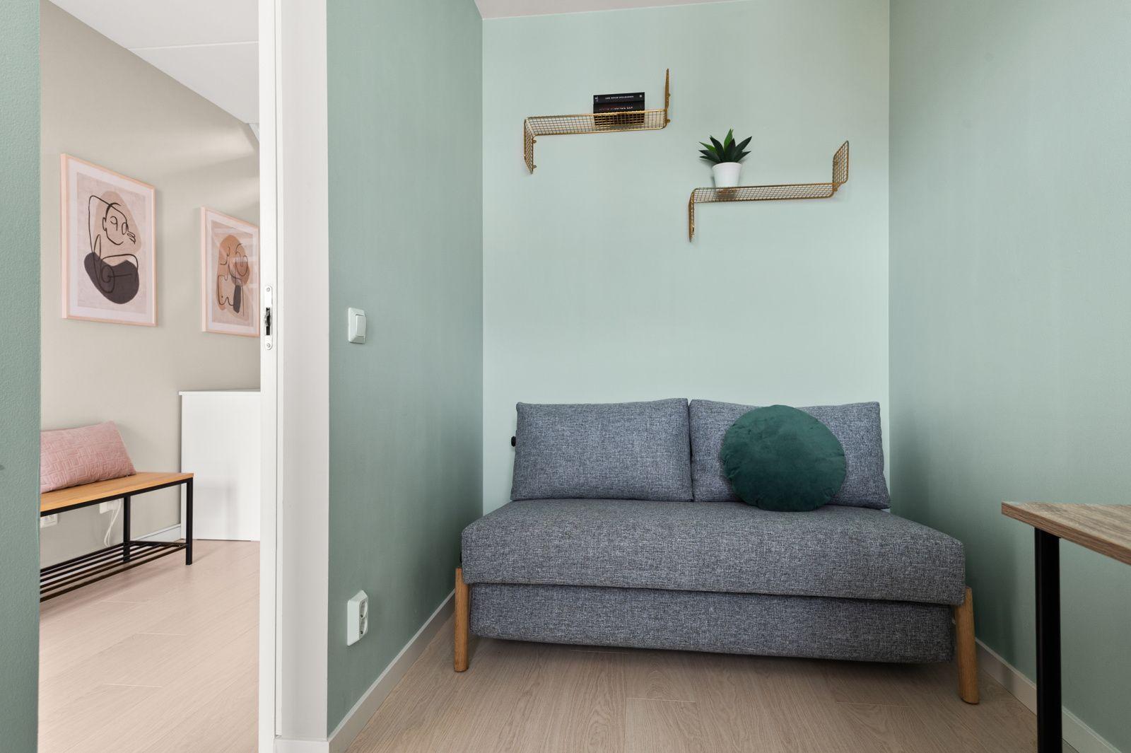 Bergensgata 36 G Samme gode standard som resten av leiligheten med lys enstavs parkett på gulv og glatte overflater malt i en fin farge.