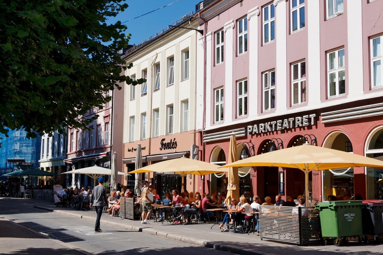 Sannergata 5C Olaf Ryes plass er kjent for sitt yrende folkeliv, populære restauranter, barer og kaféer.