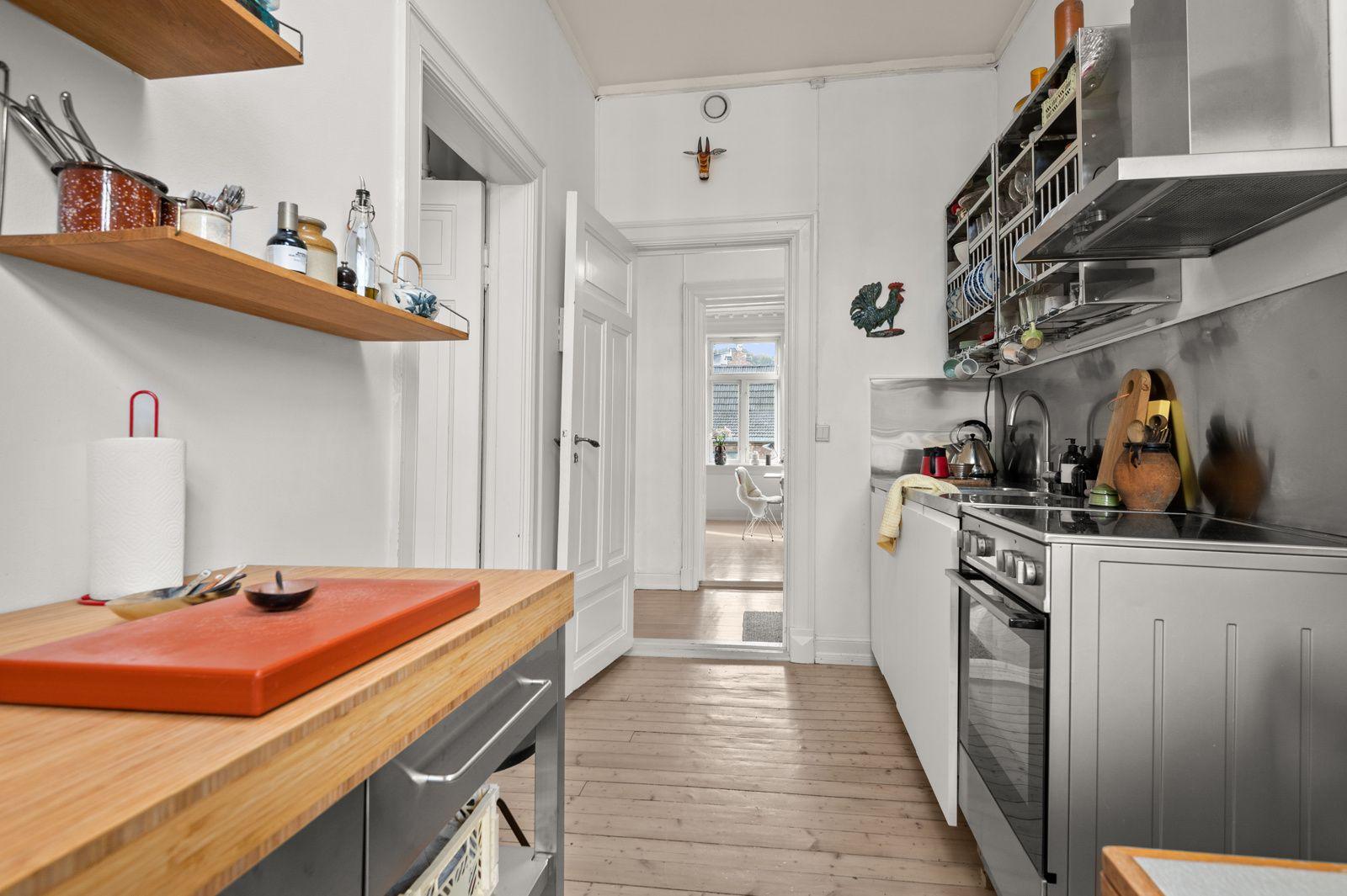 Arups gate 18 B - Integrert oppvaskmaskin. Komfyr og kjøl-/ fryseskap medfølger også -