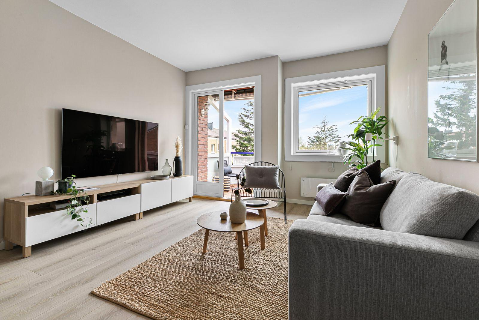 Etterstadsletta 81A Pen 3-roms leilighet, med vestvendt balkong på ca. 8,5 kvm og god standard