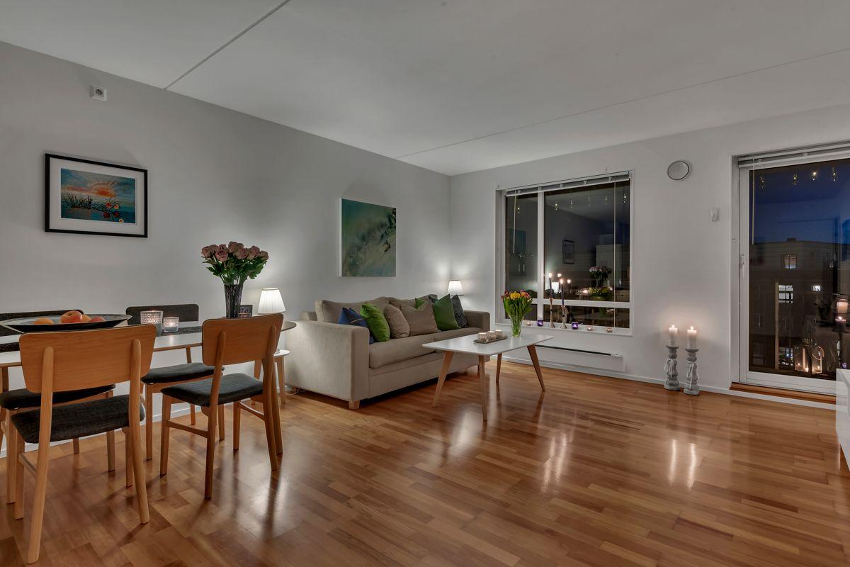 Etterstadkroken 7A Stor og romslig stue med god plass til spisegruppe